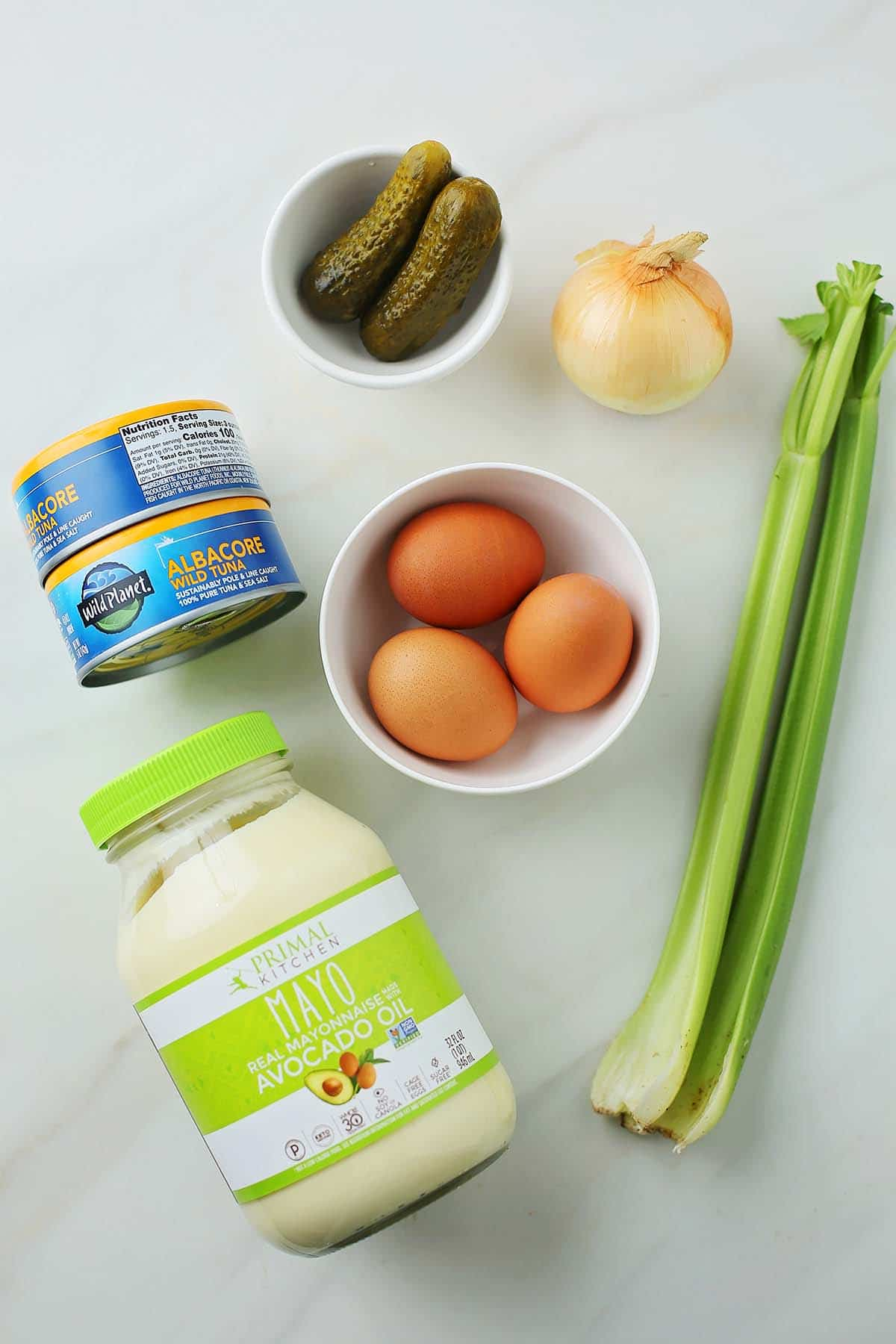 ingredients to make tuna salad