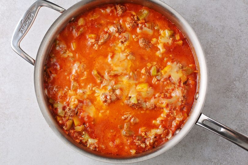 unstuffed peppers skillet in the pot