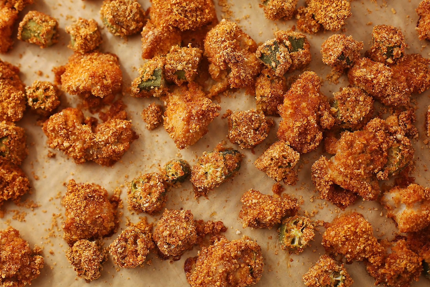 crispy okra with chicken on the baking sheet