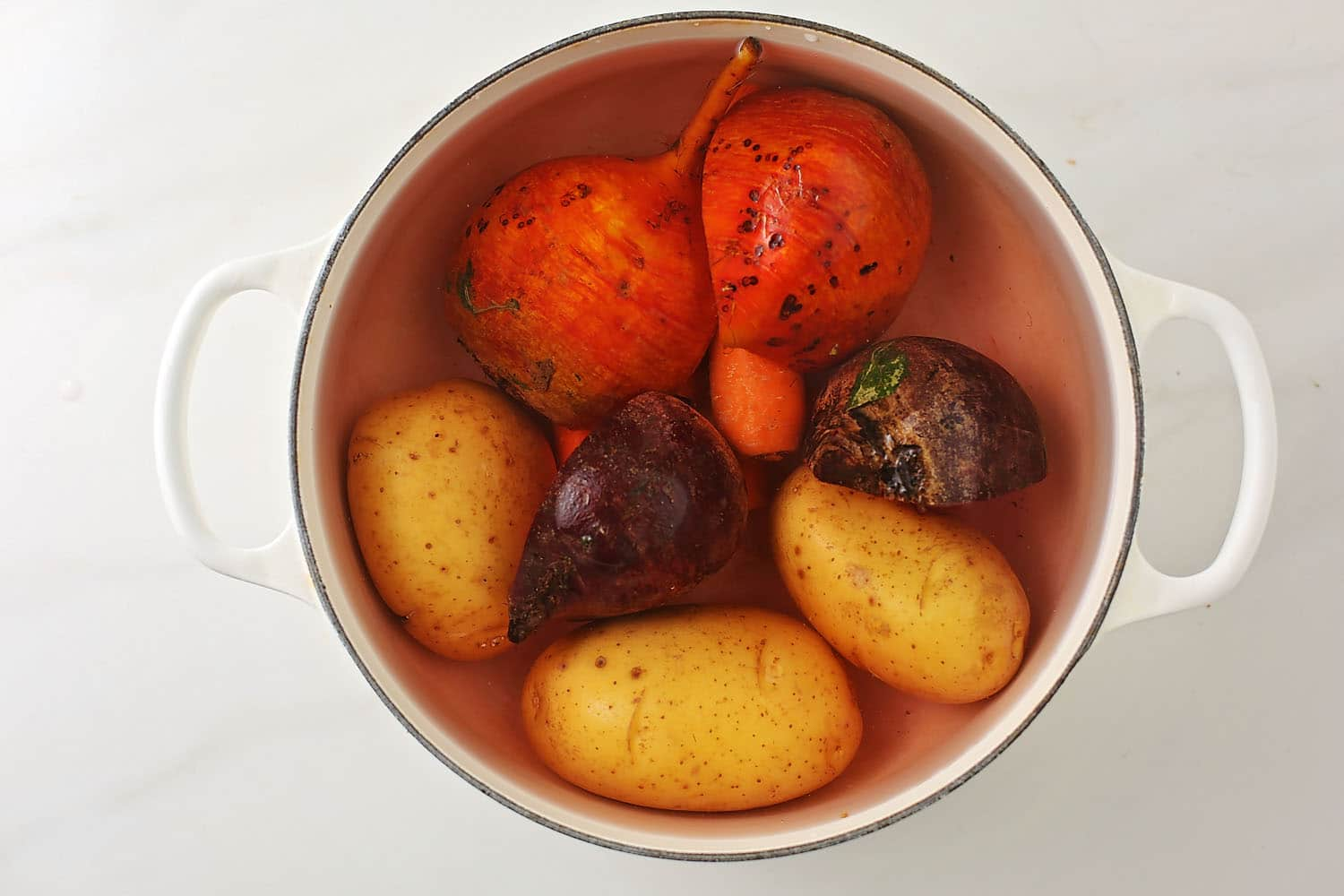 boiling vegetables in the pot