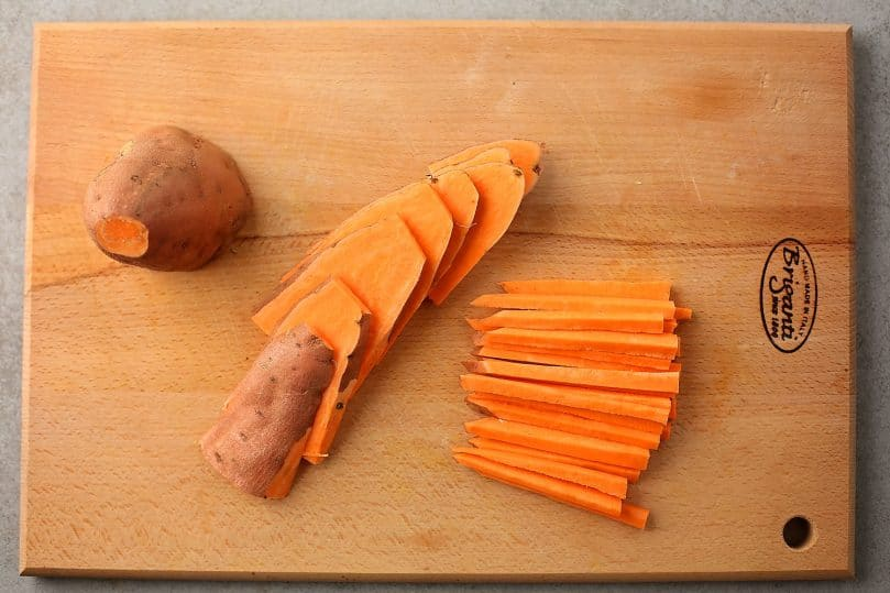 sliced sweet potato on the cutting board