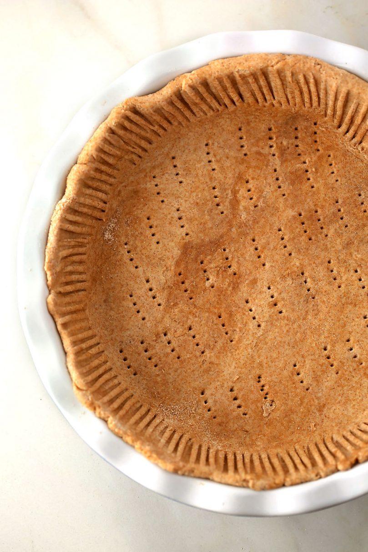 pie dish with unbaked pie crust