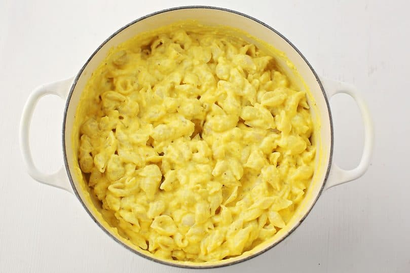 pot with mac and cheese