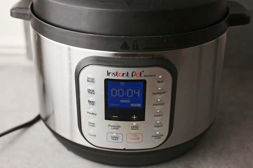 instant pot with set timer on 4 minutes