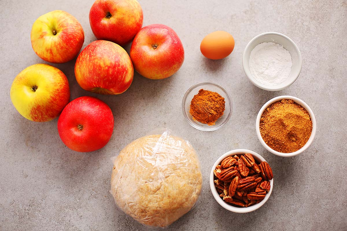 ingredients needed to make homemade apple pie